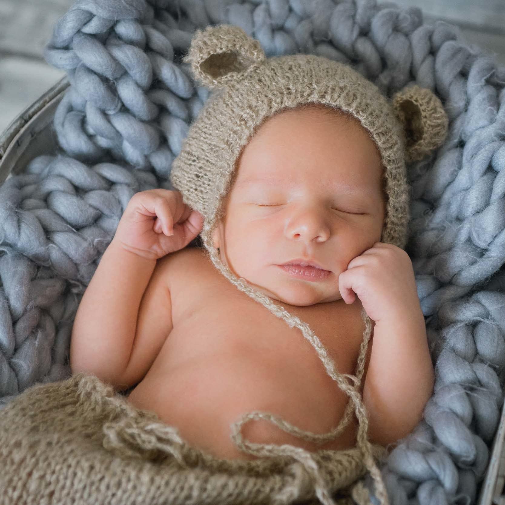 modele bonnet naissance